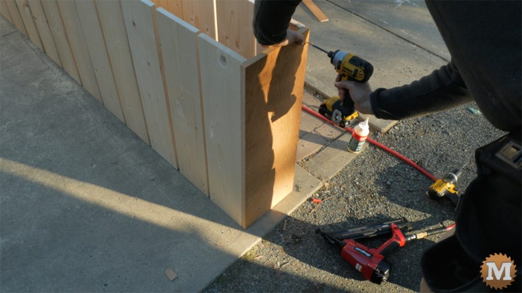 MAN about TOOLS - firewood cutting jig - attach plywood end