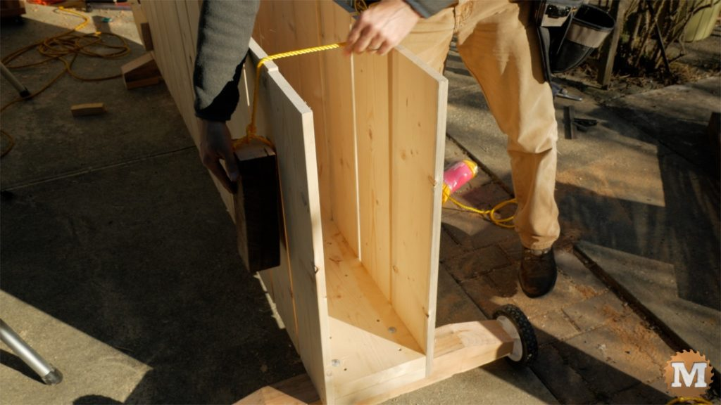 MAN about TOOLS - firewood cutting jig - wooden weights on rope
