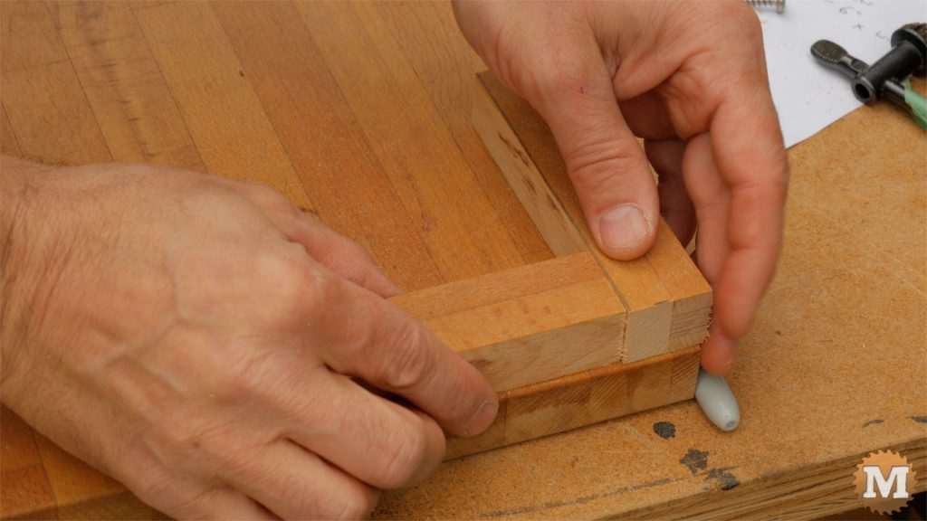 Make a One Handed Cutting Board - position corner stops