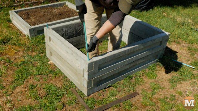 Link-together concrete garden boxes