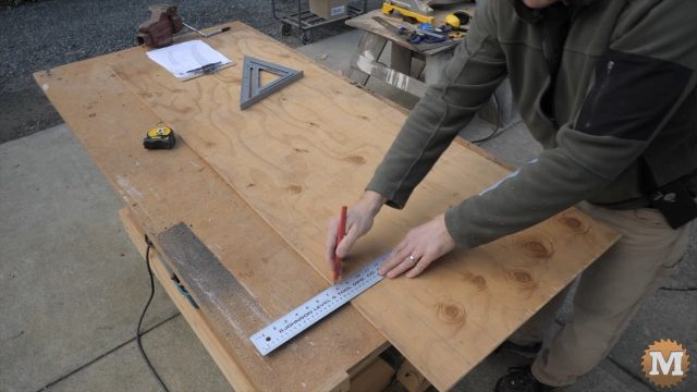 Marking a grid on the rafter blank