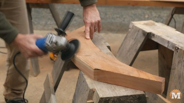 Braces at chamfered with the angle grinder