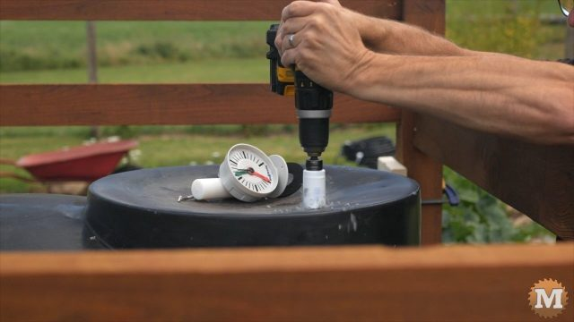 install a level or volume gauge on the tank